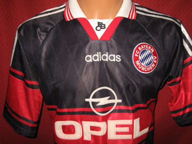 Bayern Munich away 1996-1999 Janker S #588