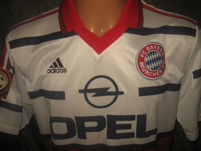 Bayern Munich away 1999-2000 Strunz M #1191