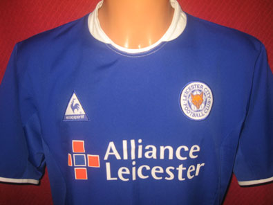 Leicester City FC home football shirt 2004 size M